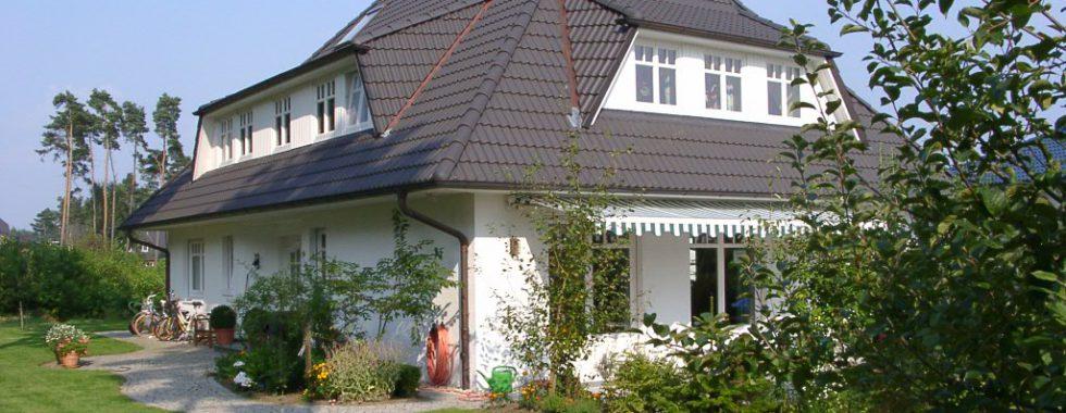 Attraktives EFH im Landhausstil mit Vollkeller und Doppelgarage